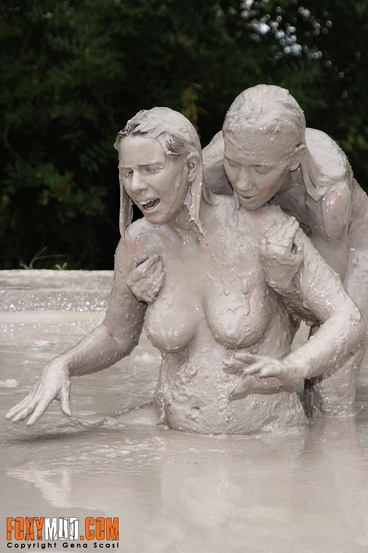 nude mud fight pics