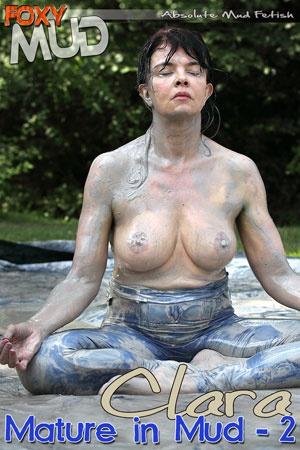 Clara - Mature in mud 2