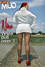 White pullover 1